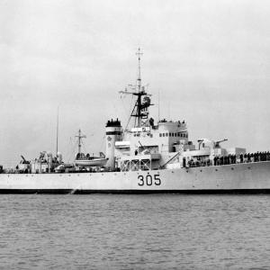 HMCS La Hulloise - Prestonian Class Frigate. RCN photo.